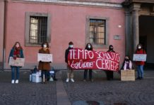 Studenti manifestano rientro in classe non in sicurezza