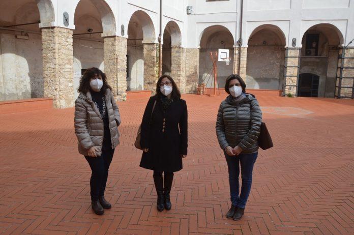 Da sinistra la prof.ssa Basili, la consigliera comunale Zacchei, la prof.ssa Zito